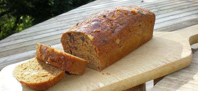 Un pain d'épices au miel fraîchement fabriquée à la miellerie de Roussas